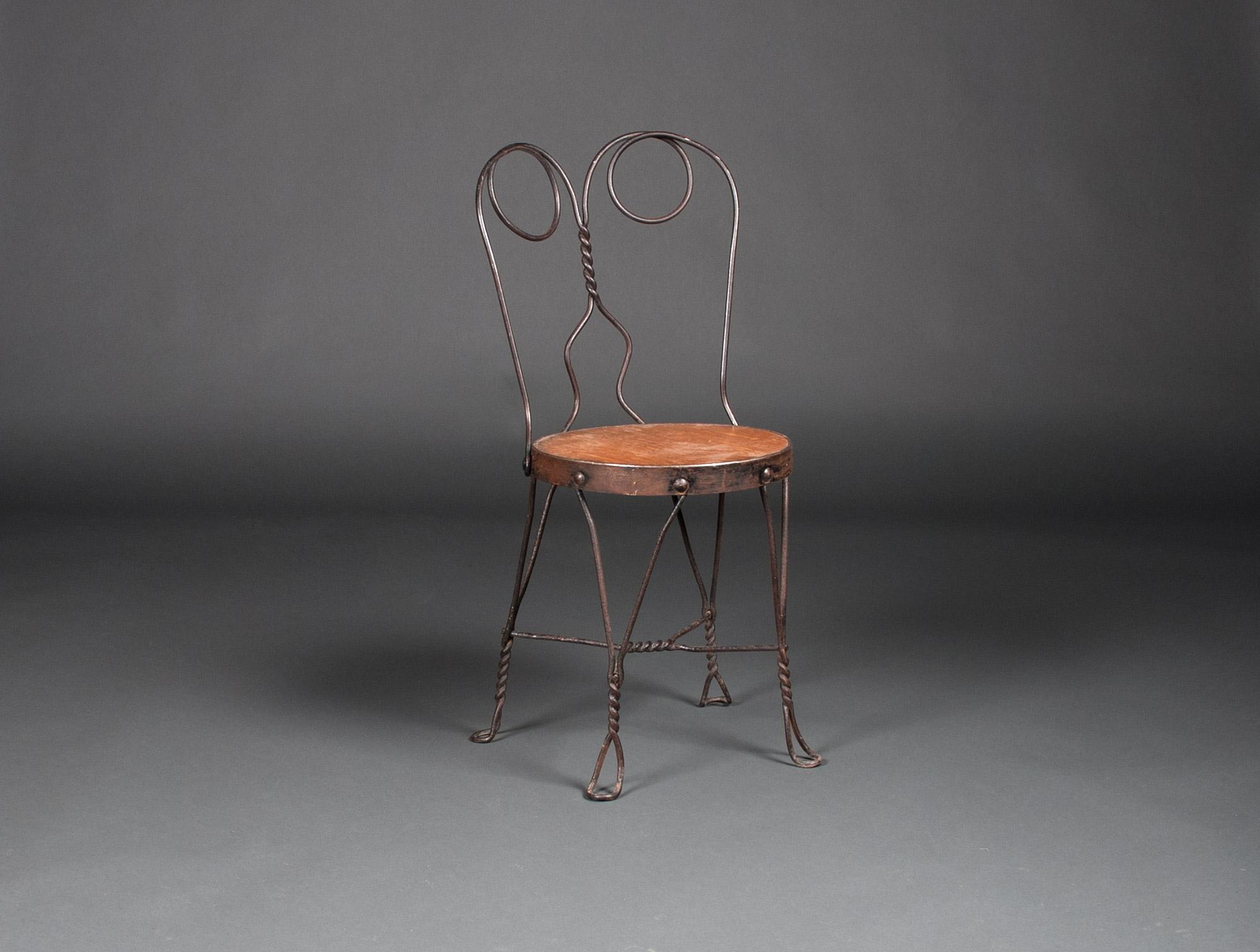 dix chaises de kiosques soubrier louer mobiliers meuble de jardin xxe. Black Bedroom Furniture Sets. Home Design Ideas