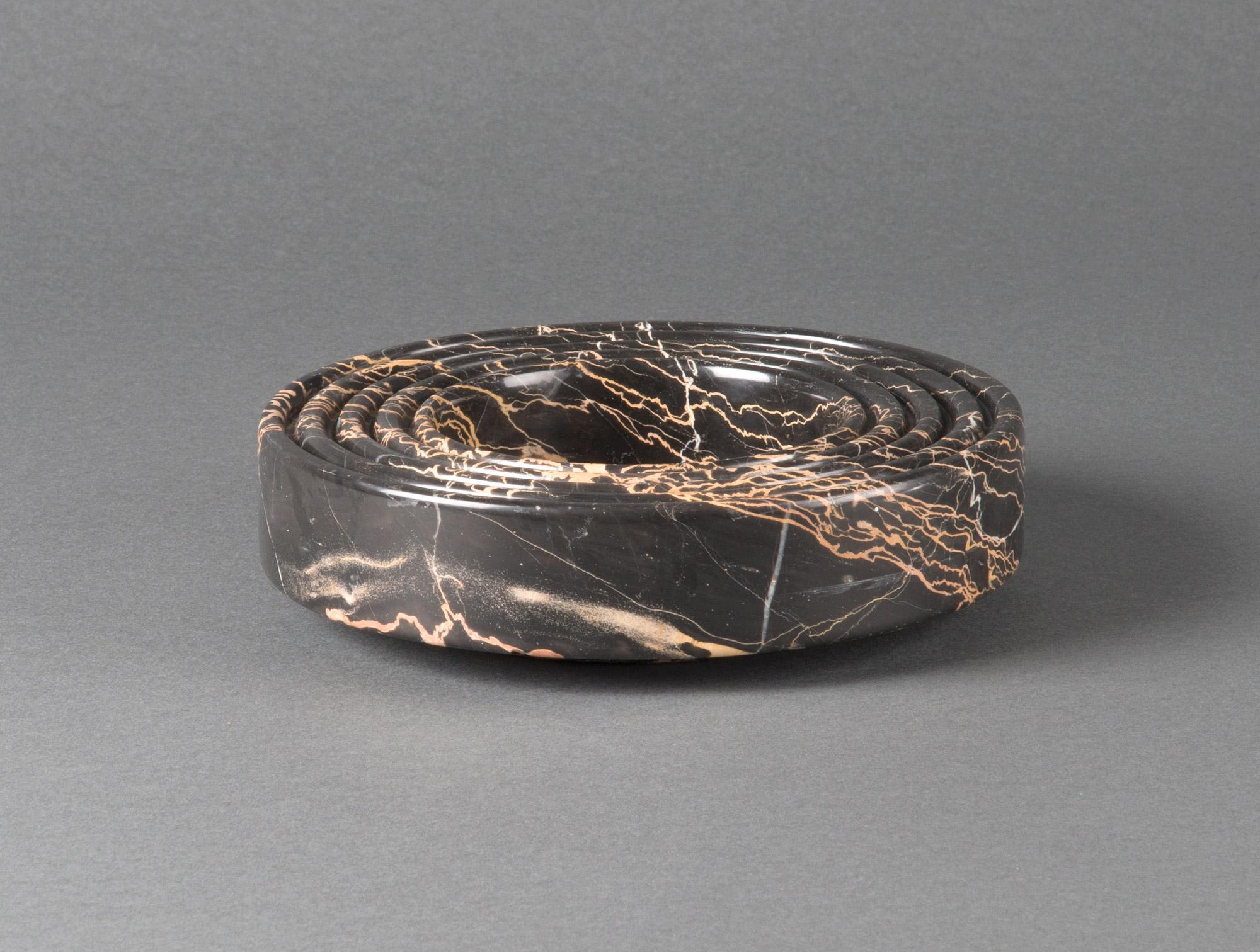 Cendrier en marbre noir soubrier louer accessoires acc. de bureau xxe