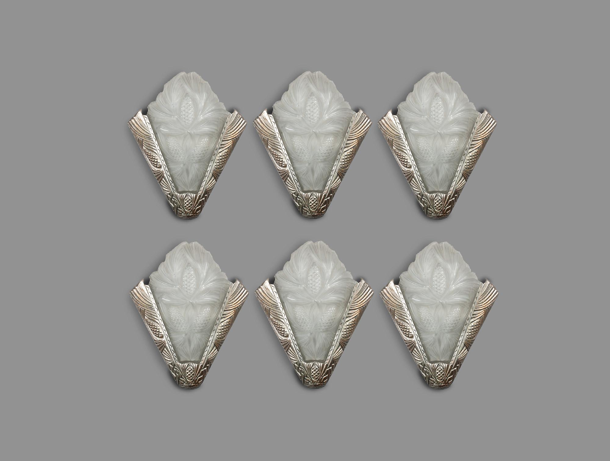 Six grandes appliques art déco soubrier louer luminaires applique
