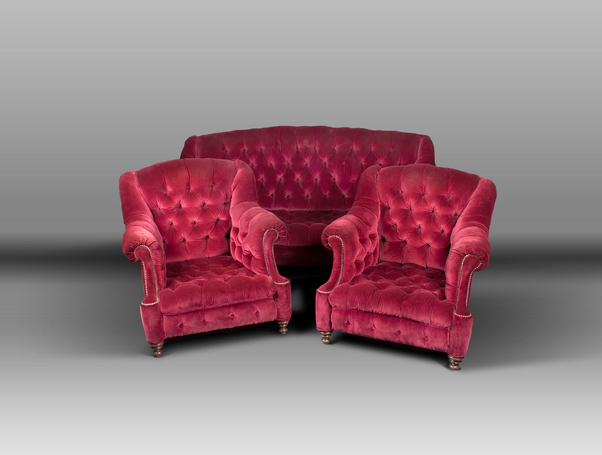 fauteuils velours rouge capitonn soubrier louer si ges. Black Bedroom Furniture Sets. Home Design Ideas