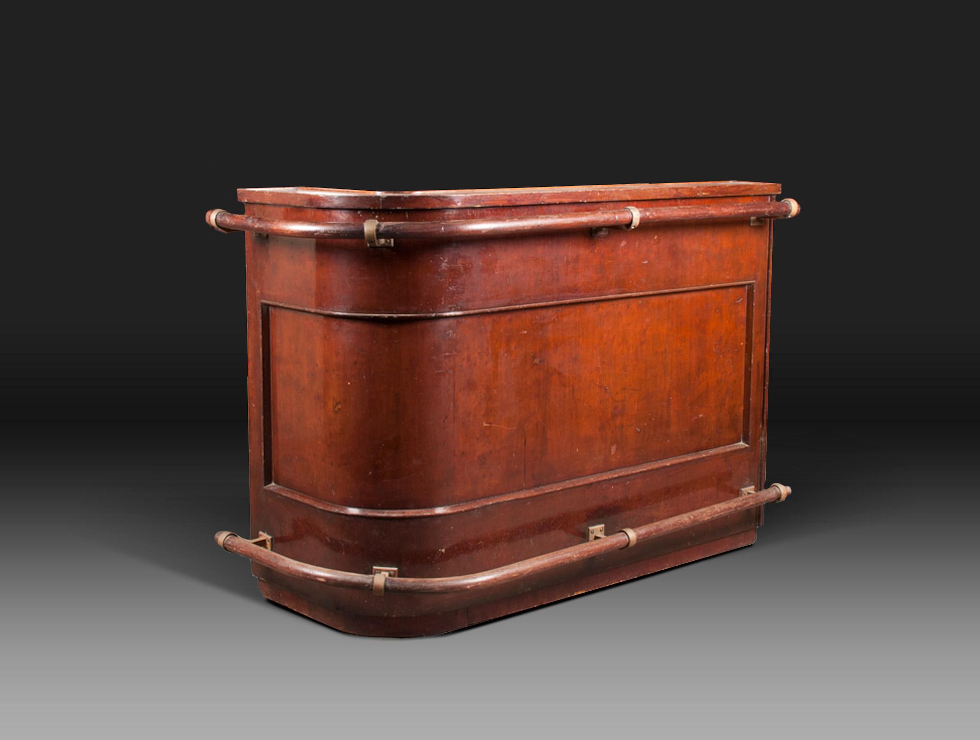 bar d 39 appartement acajou soubrier louer rangements buffet ann es 1940. Black Bedroom Furniture Sets. Home Design Ideas