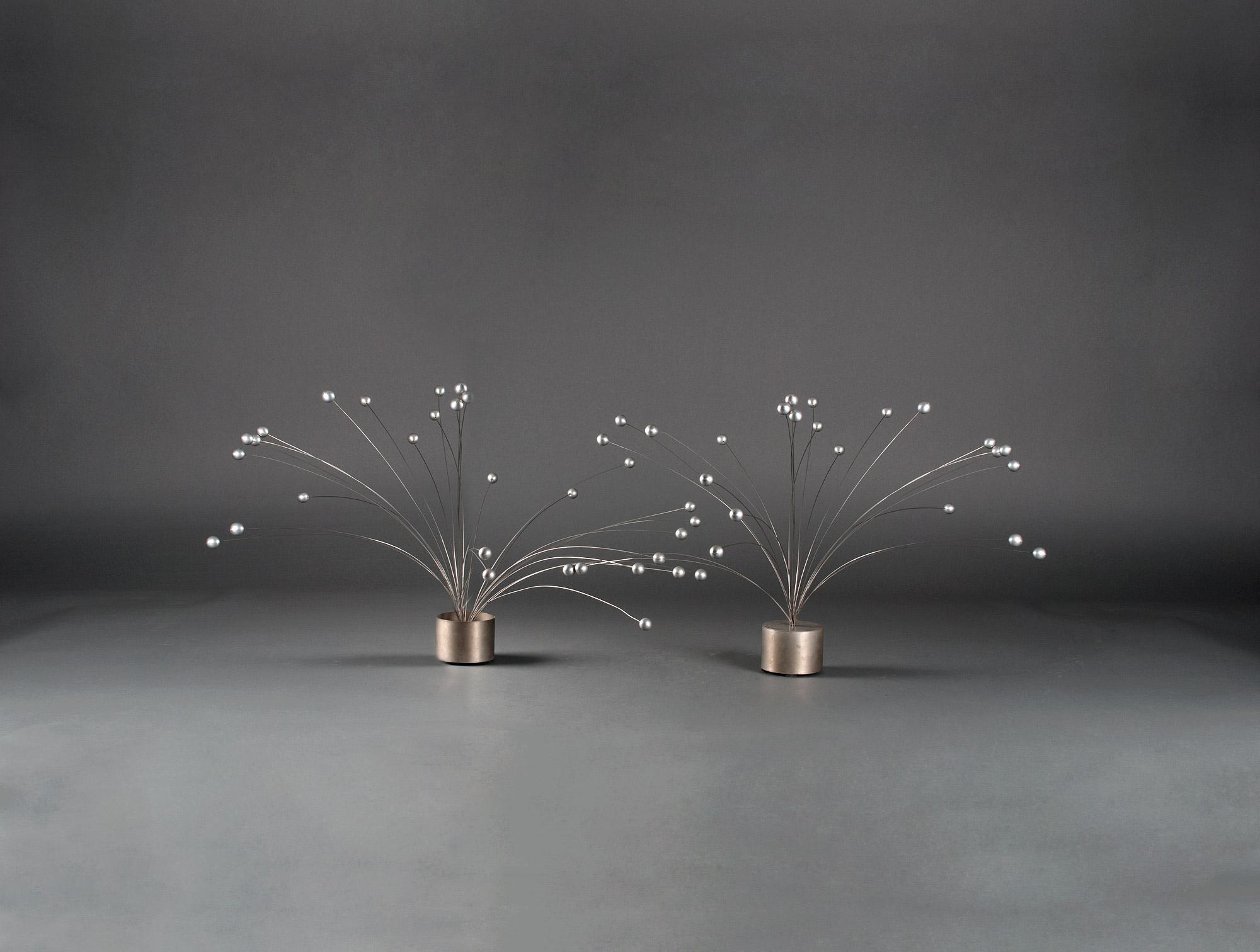 Vases en aluminium 1970 soubrier louer objets d co vase for Objet deco contemporain