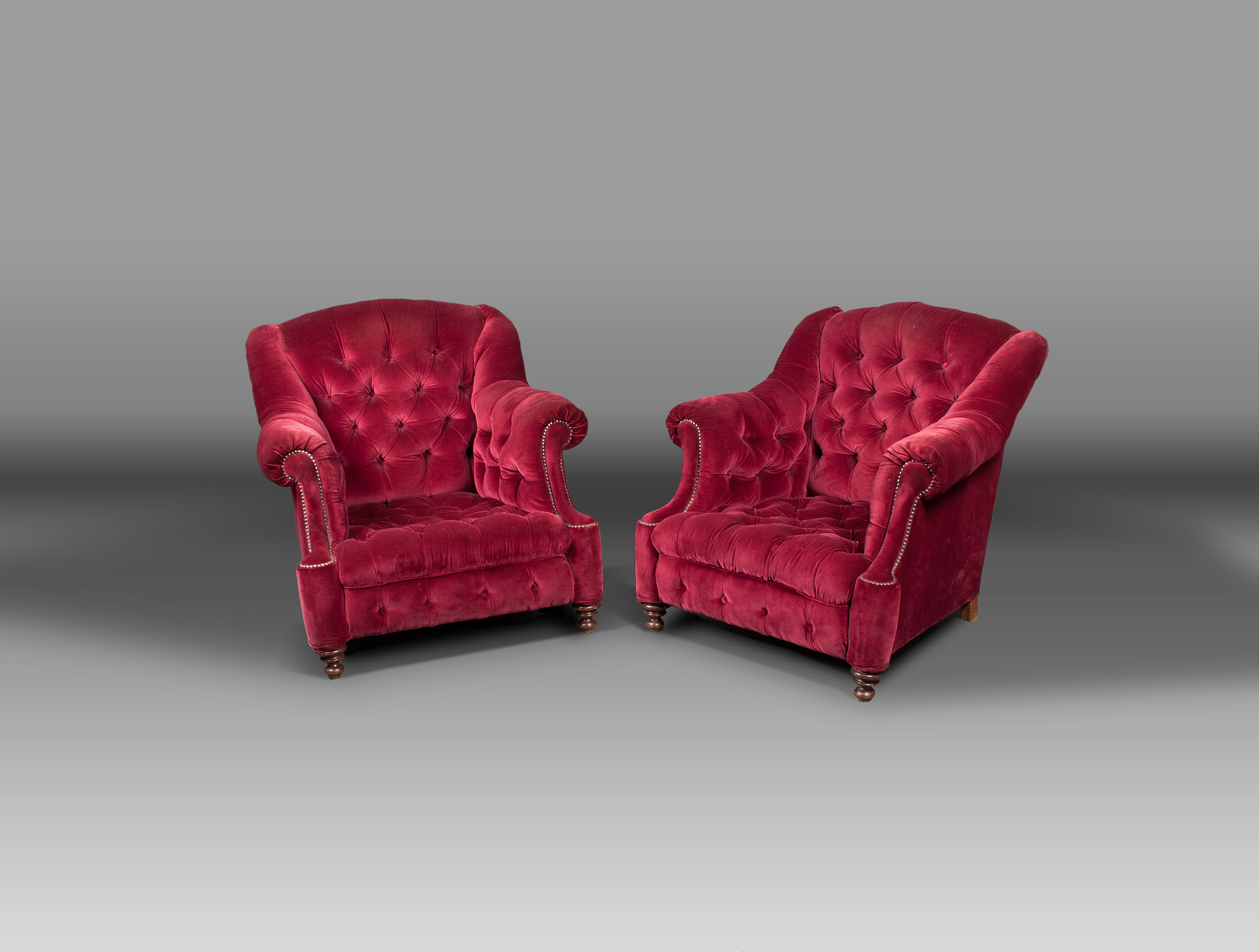 fauteuils velours rouge capitonn soubrier louer si ges fauteuil xixe. Black Bedroom Furniture Sets. Home Design Ideas