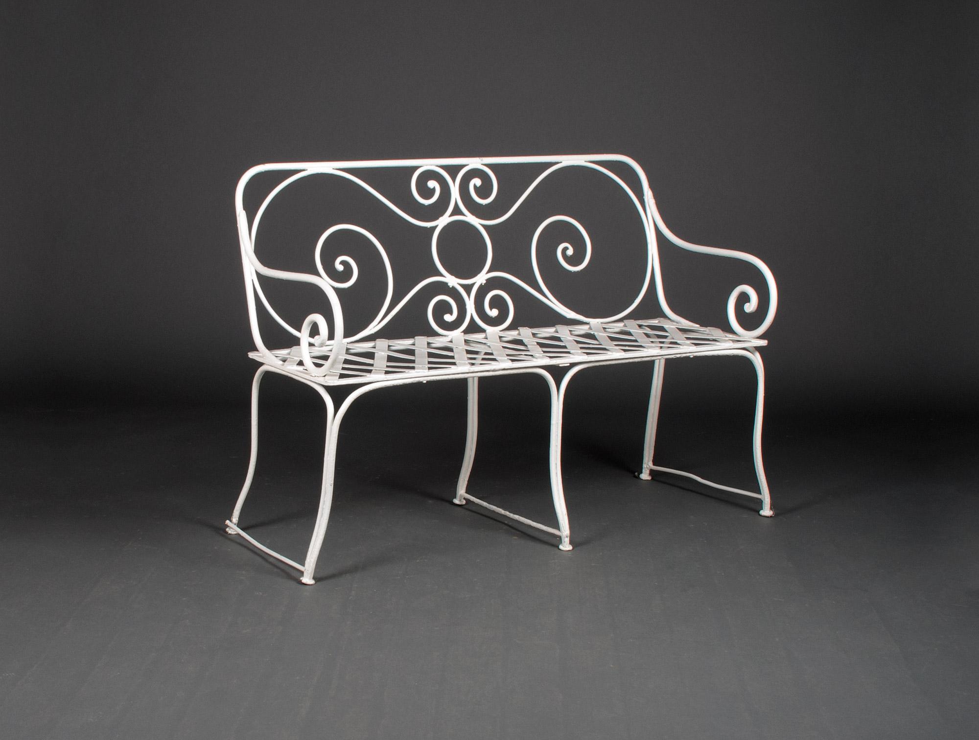 petite banquette de jardin soubrier louer mobiliers meuble de jardin xxe. Black Bedroom Furniture Sets. Home Design Ideas