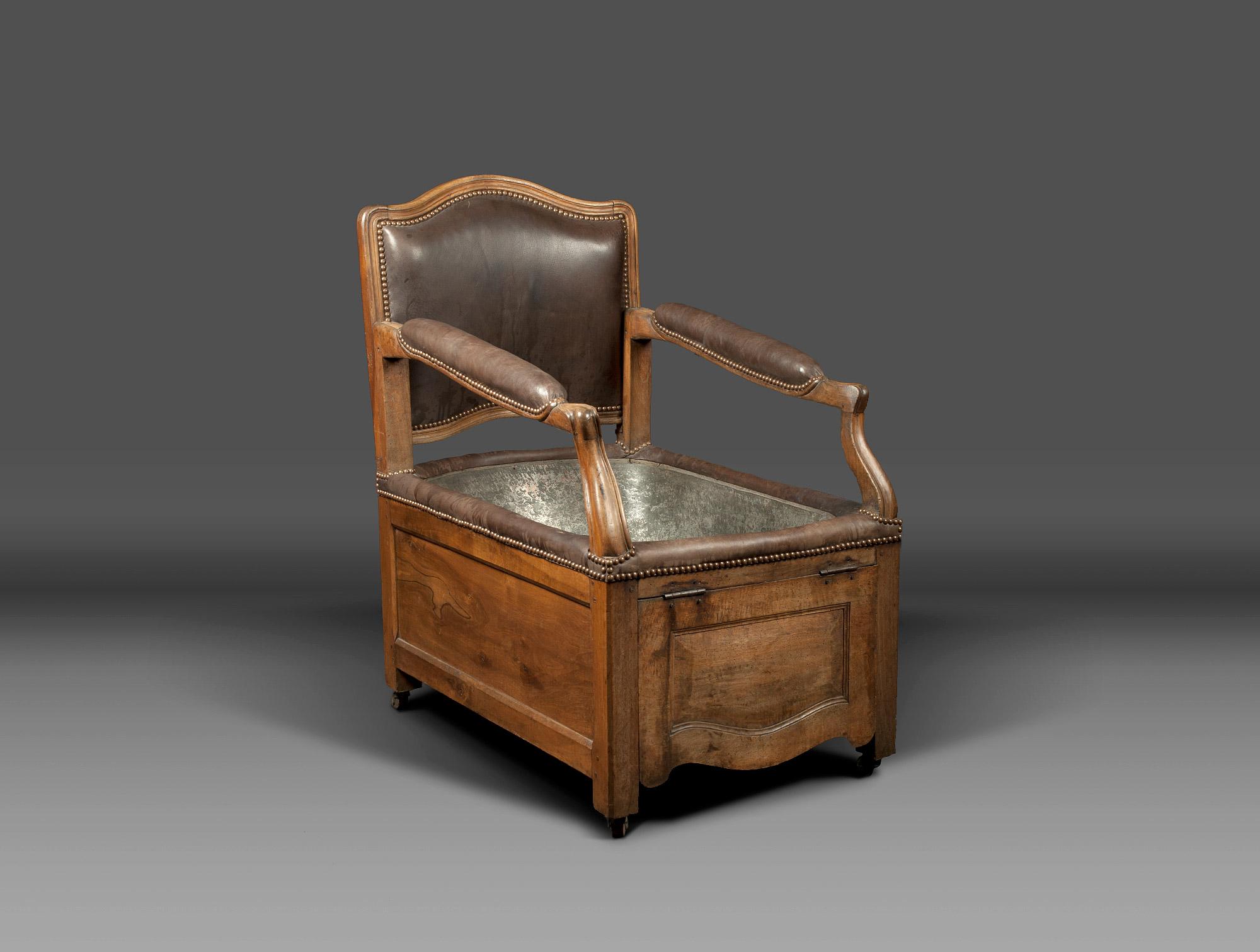 Louis XV chair bathtub Soubrier - Rent Seats Armchair XVIIIth