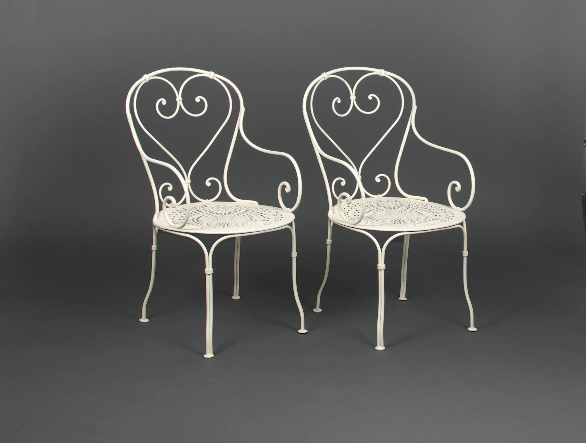 fauteuils de jardin en fer forg soubrier louer mobiliers meuble de jardin xxe. Black Bedroom Furniture Sets. Home Design Ideas