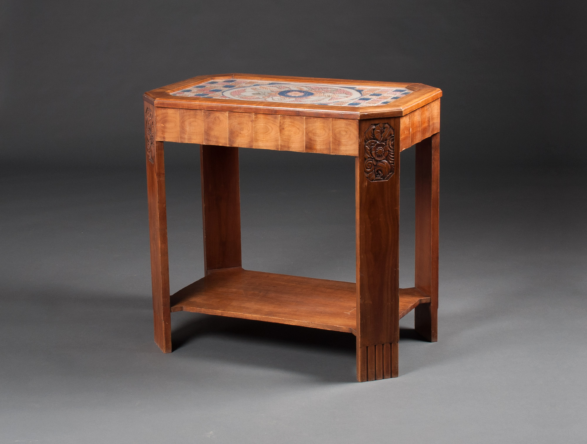 coiffeuse art d co pans coup s soubrier louer tables bureaux coiffeuse art d co. Black Bedroom Furniture Sets. Home Design Ideas