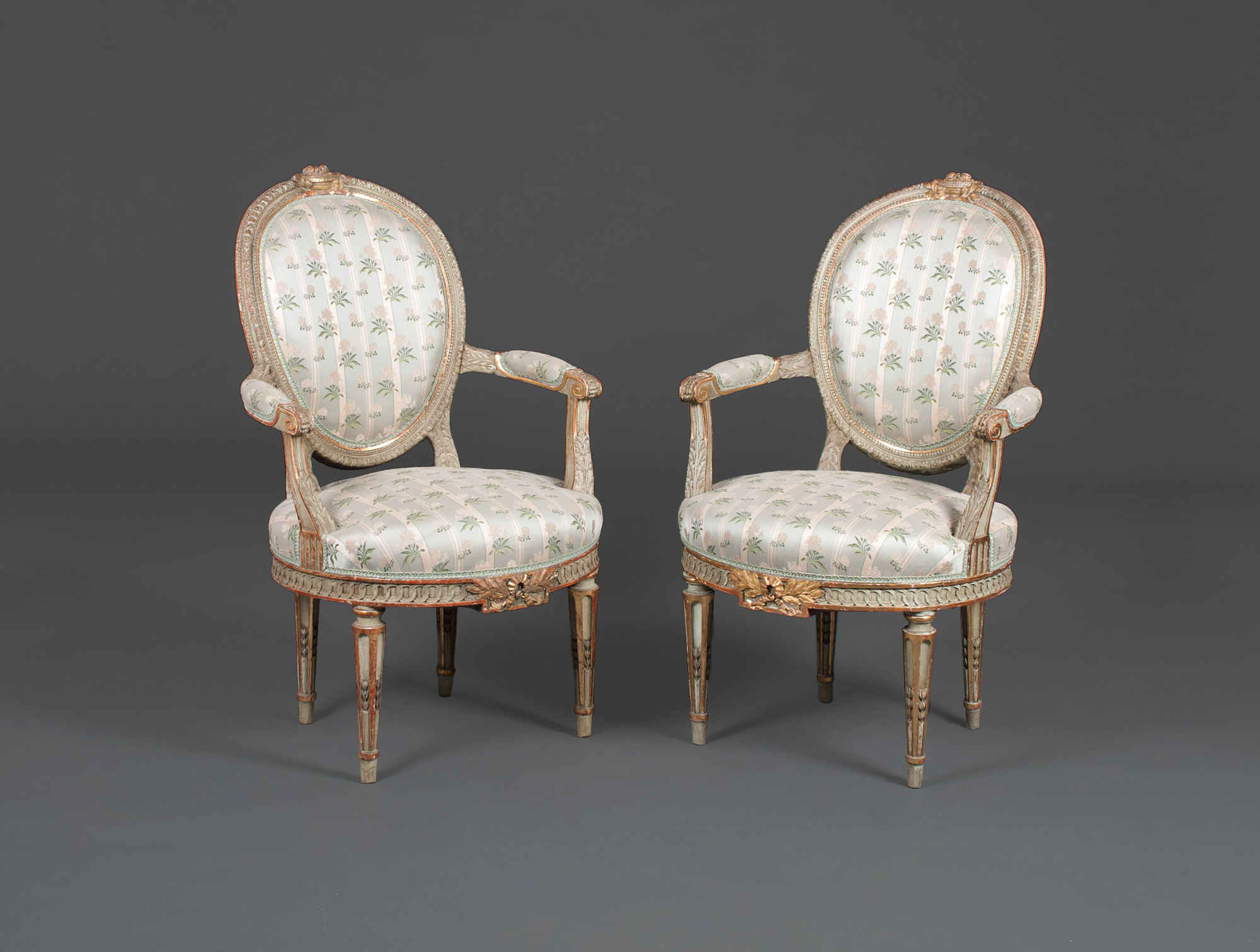 Salon louis xvi soubrier louer si ges salon xviiie for Salon louis 16