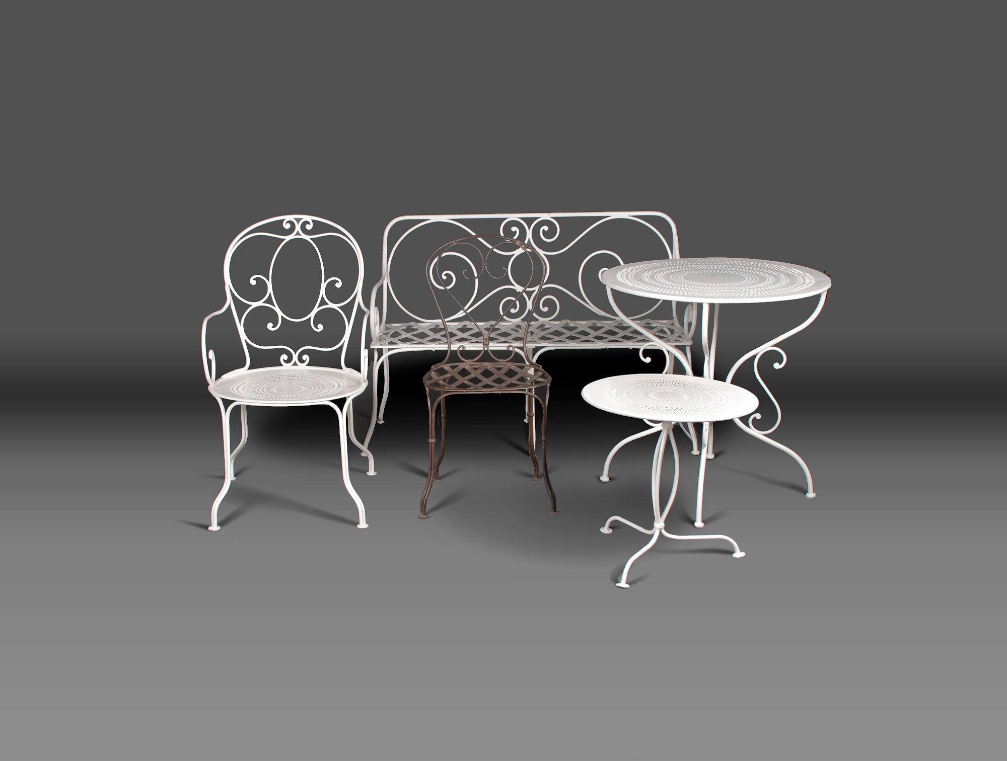 petite banquette de jardin soubrier louer mobiliers. Black Bedroom Furniture Sets. Home Design Ideas