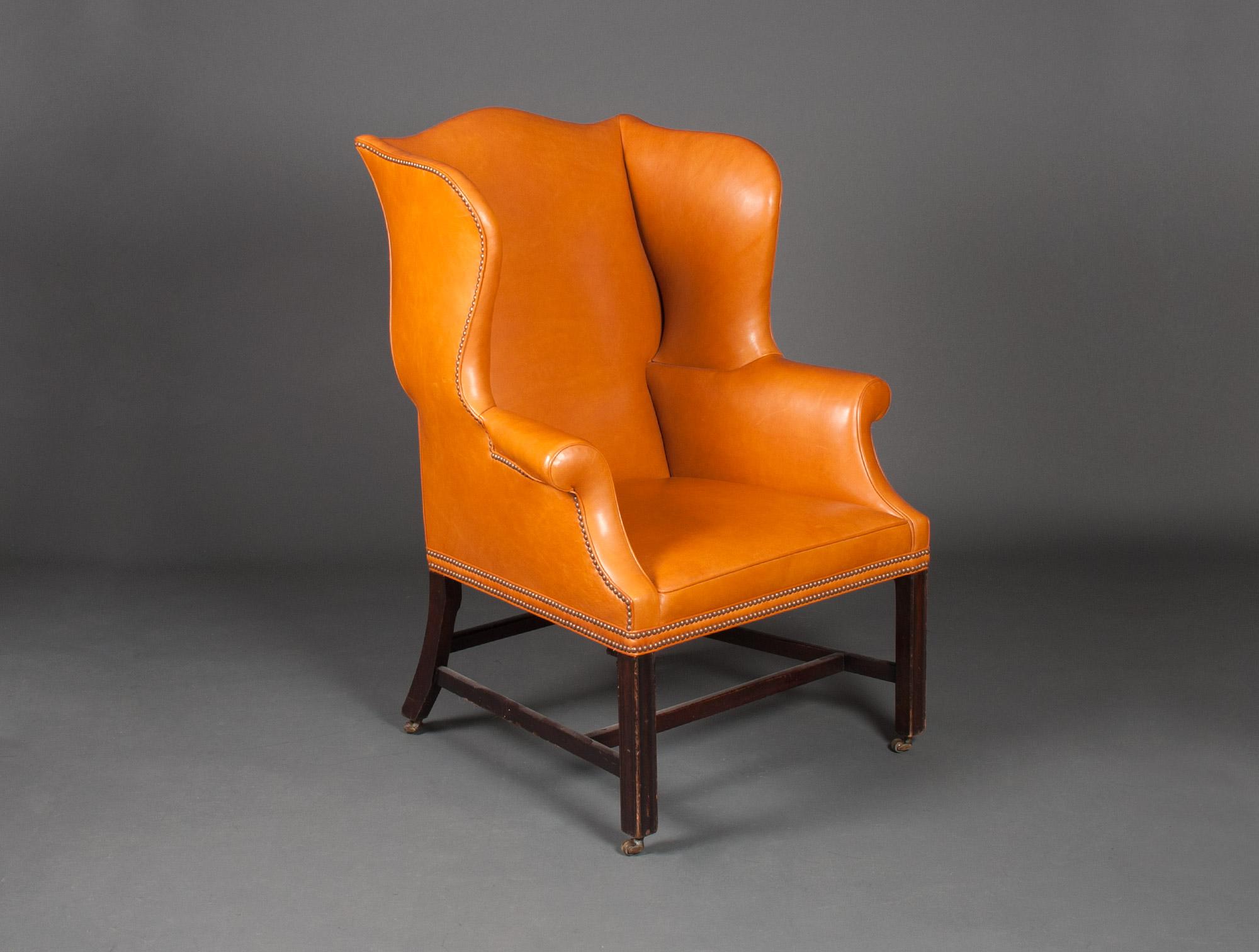 fauteuil anglais en cuir fauve soubrier louer si ges fauteuil xviiie. Black Bedroom Furniture Sets. Home Design Ideas
