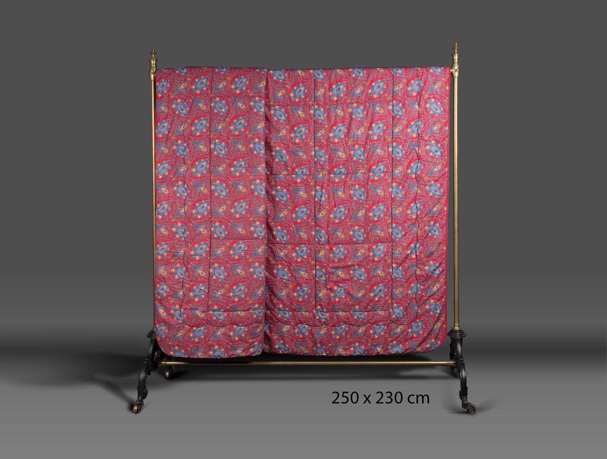 dessus de lit rouge soubrier louer tissus dessus de lit xxe. Black Bedroom Furniture Sets. Home Design Ideas