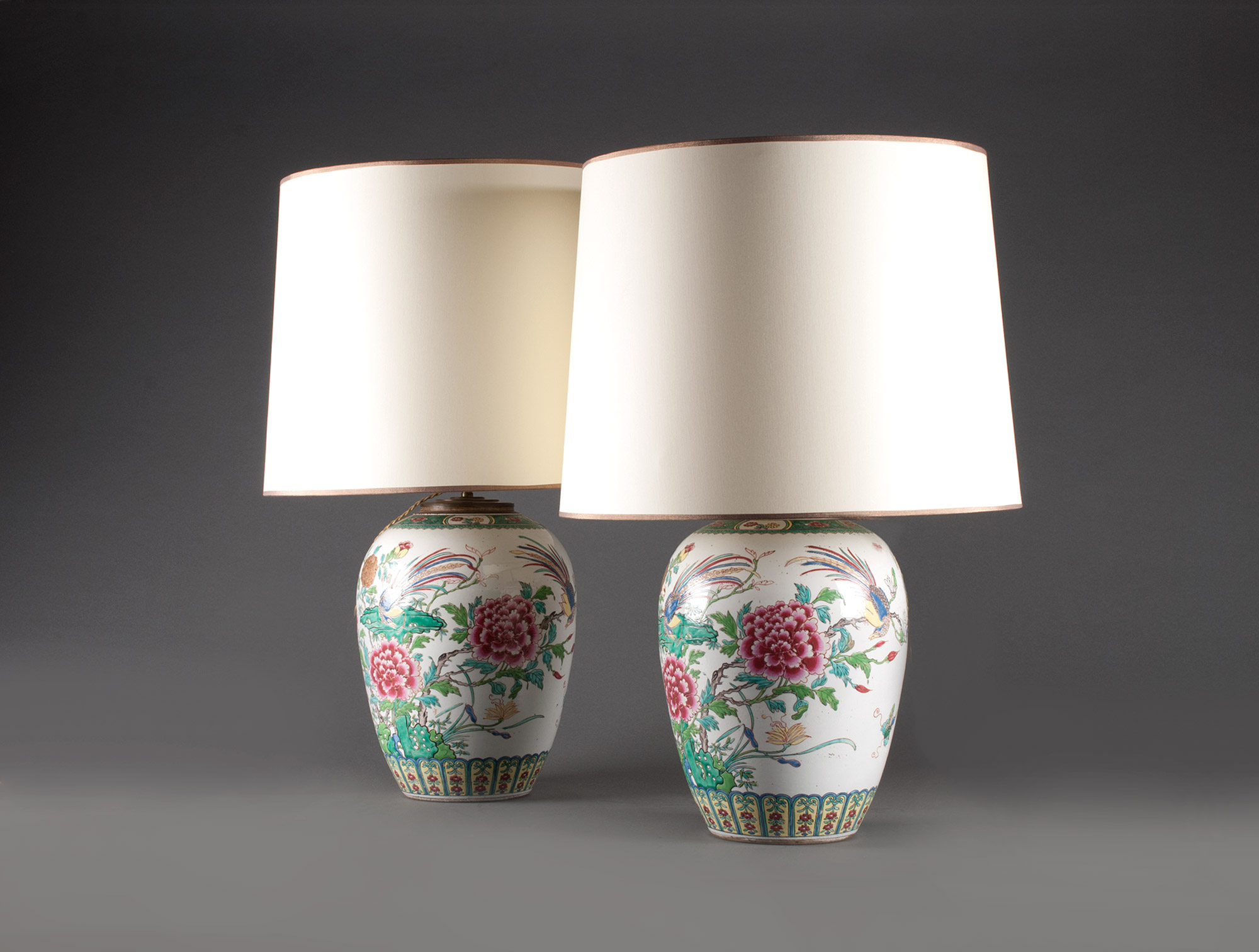 lampes chinoises en porcelaine soubrier louer luminaires lampe xixe. Black Bedroom Furniture Sets. Home Design Ideas