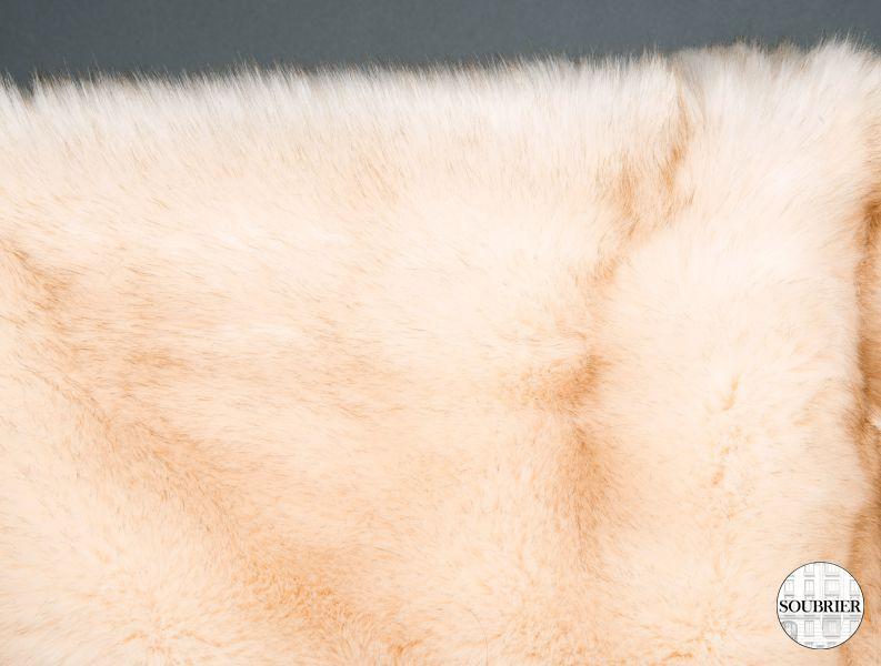 Dessus de lit en fourrure soubrier louer tissus dessus - Dessus de lit fourrure ...