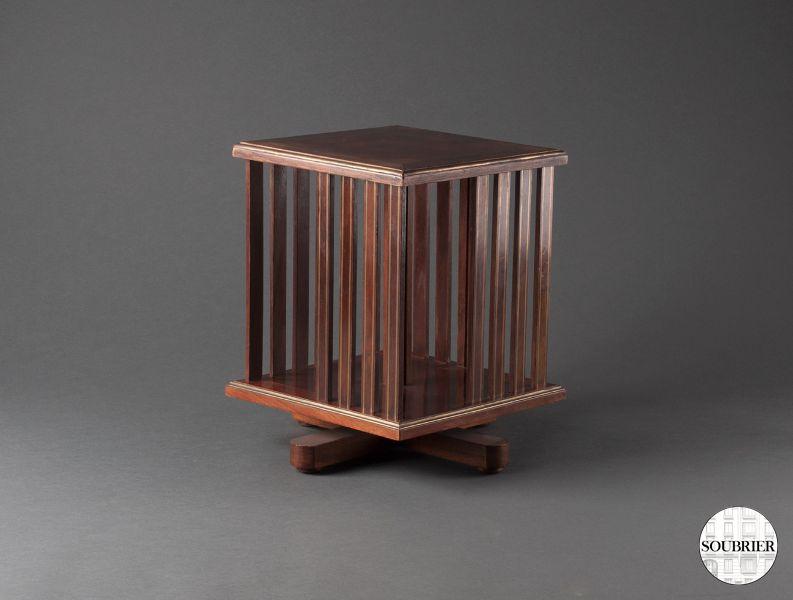 biblioth que tournante en acajou soubrier louer rangements biblioth que xxe. Black Bedroom Furniture Sets. Home Design Ideas