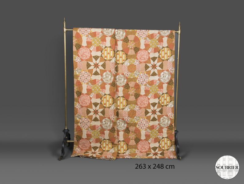 dessus de lit imprim patchwork soubrier louer tissus. Black Bedroom Furniture Sets. Home Design Ideas