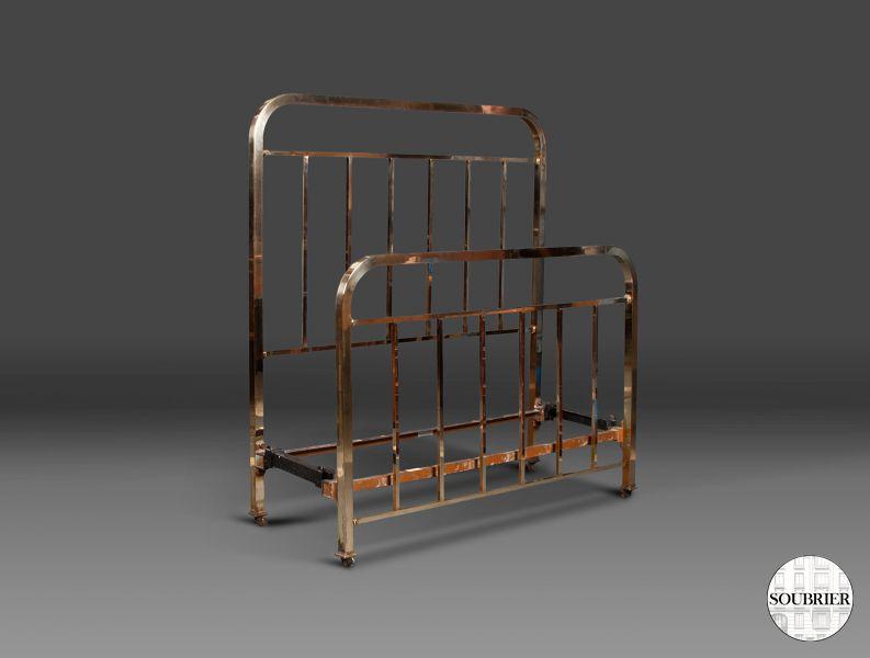 un lit 1930 en cuivre soubrier louer mobiliers lit xxe. Black Bedroom Furniture Sets. Home Design Ideas