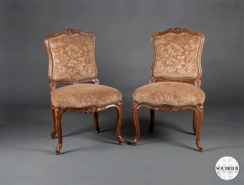 Chaises brunes Louis XV
