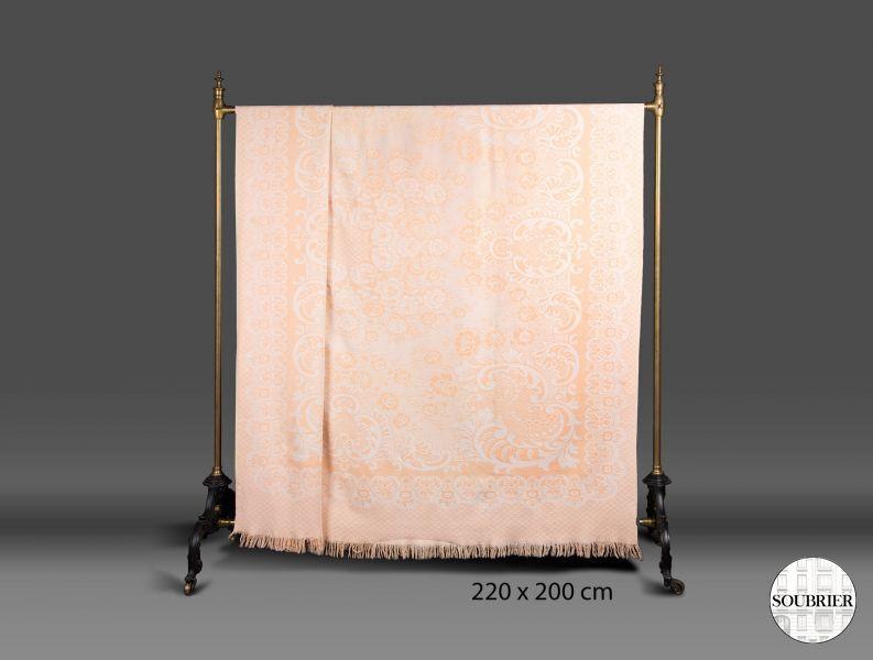 dessus de lit orange saumon soubrier louer tissus dessus de lit xxe. Black Bedroom Furniture Sets. Home Design Ideas