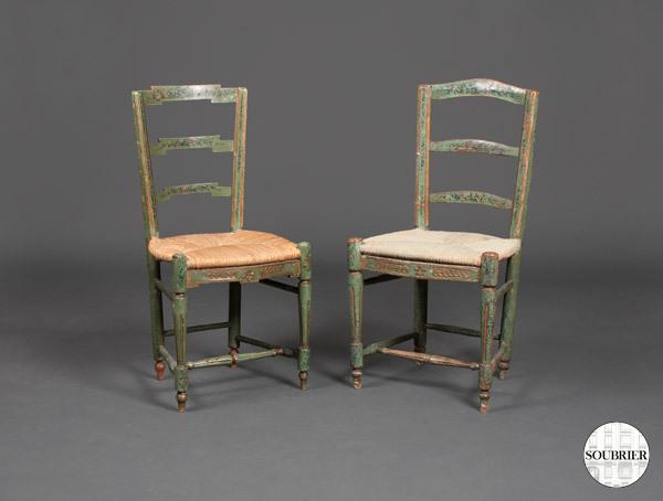 chaises rustiques vertes et paill es soubrier louer si ges chaise xviiie. Black Bedroom Furniture Sets. Home Design Ideas