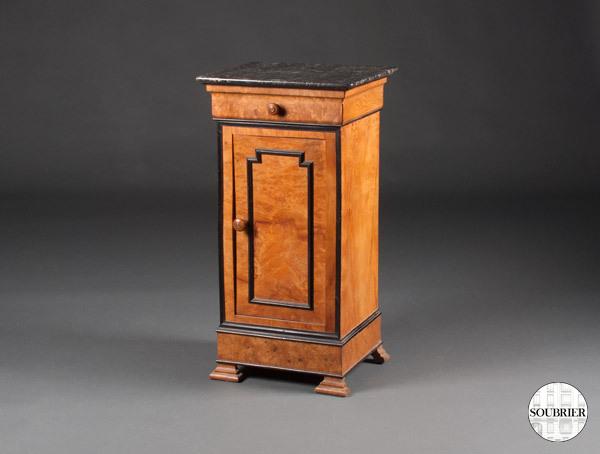 chevet en bois clair et noir soubrier louer tables bureaux chevet xixe. Black Bedroom Furniture Sets. Home Design Ideas