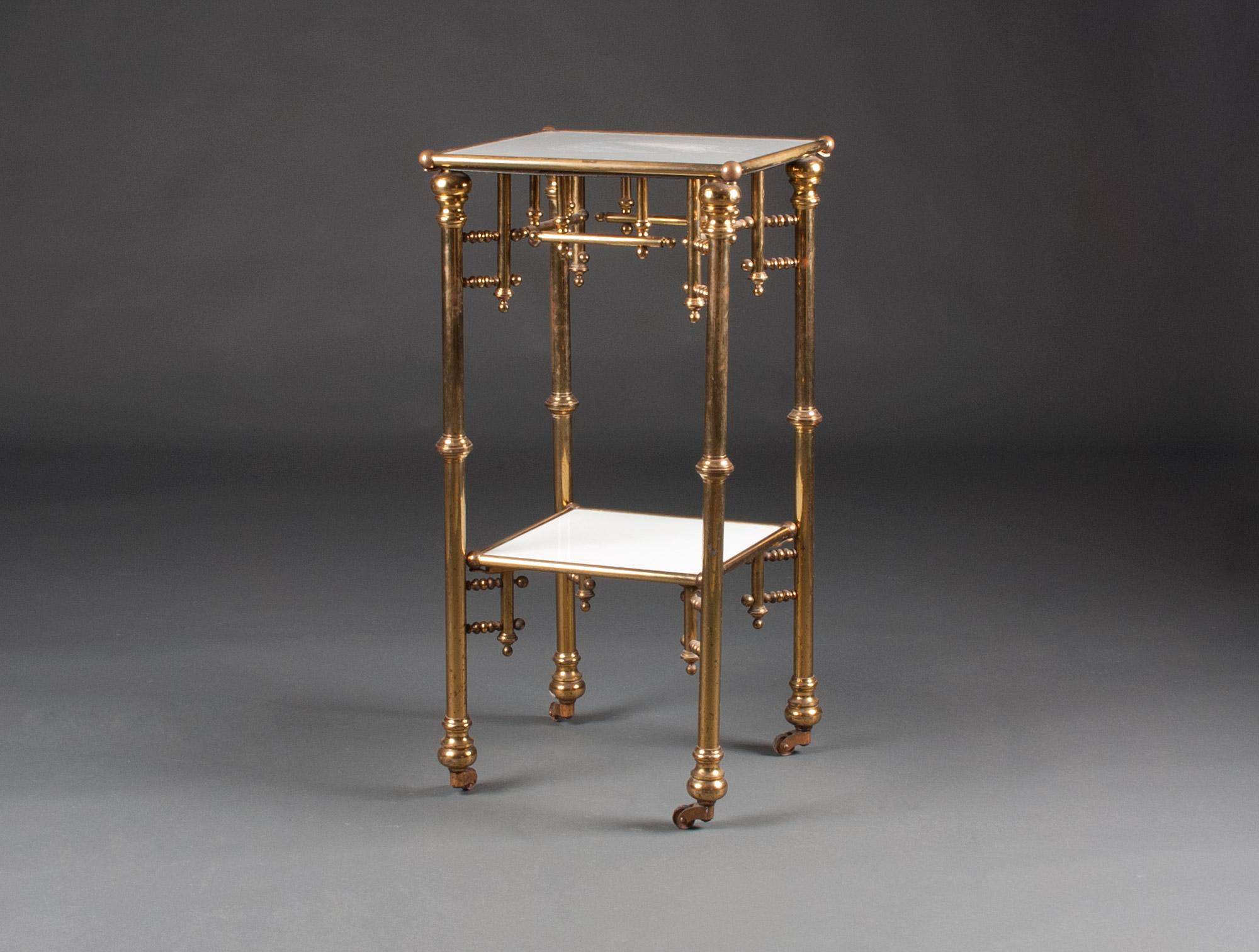 table de toilette opaline et cuivre soubrier louer tables bureaux chevet xxe. Black Bedroom Furniture Sets. Home Design Ideas