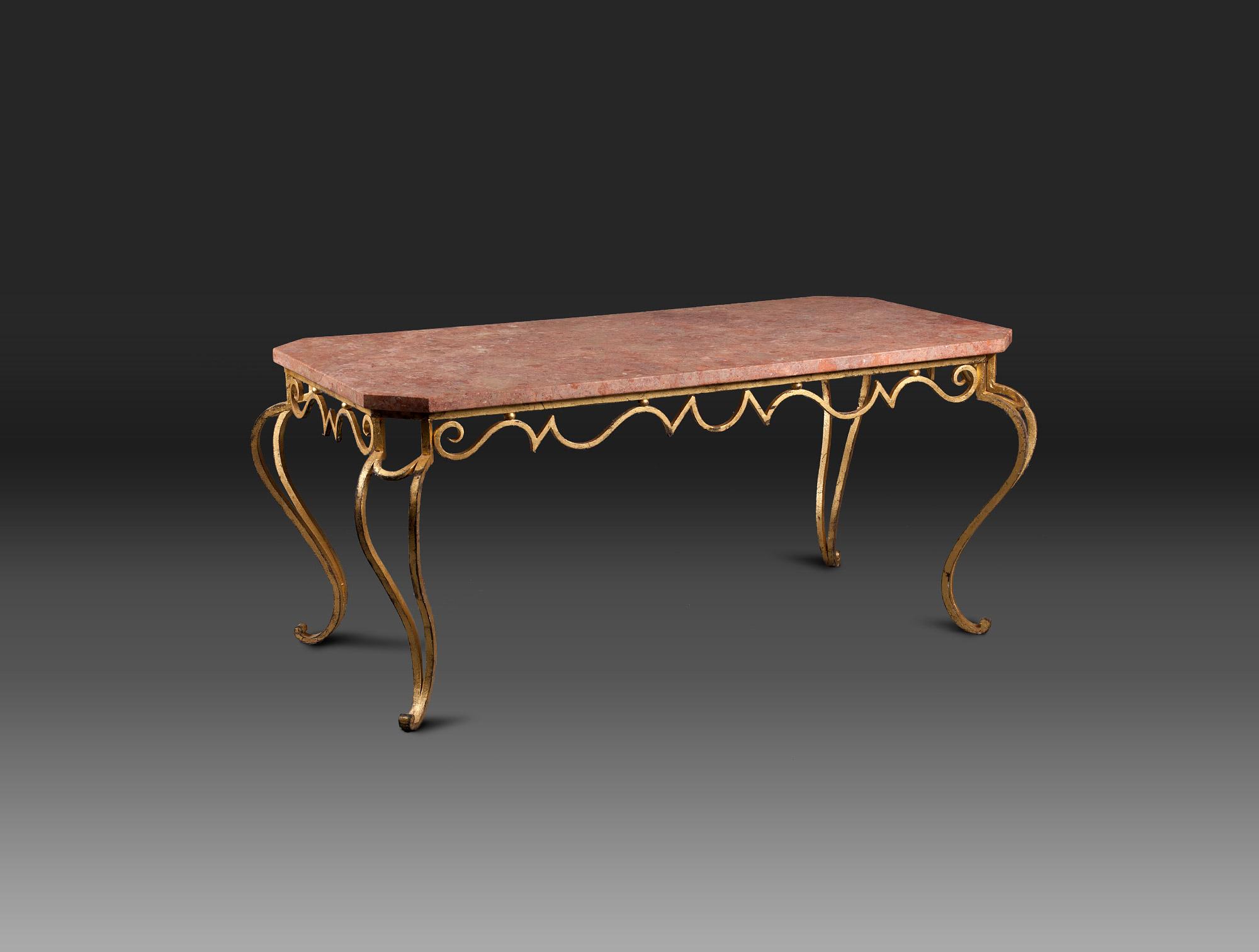 Table Basse En Fer Forge Dore Soubrier Louer Tables Bureaux Table
