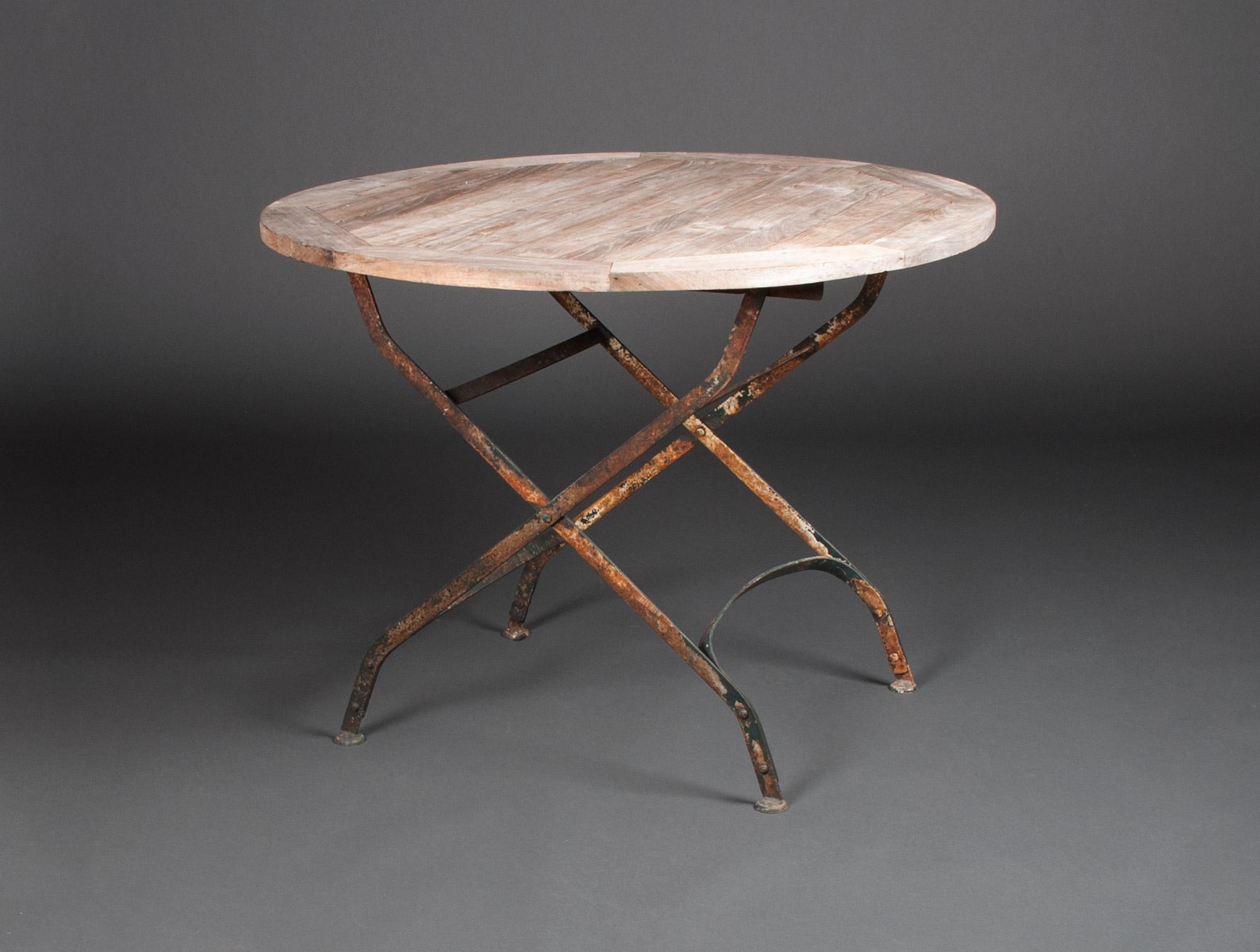 table de jardin xixe soubrier louer mobiliers meuble de jardin xixe. Black Bedroom Furniture Sets. Home Design Ideas
