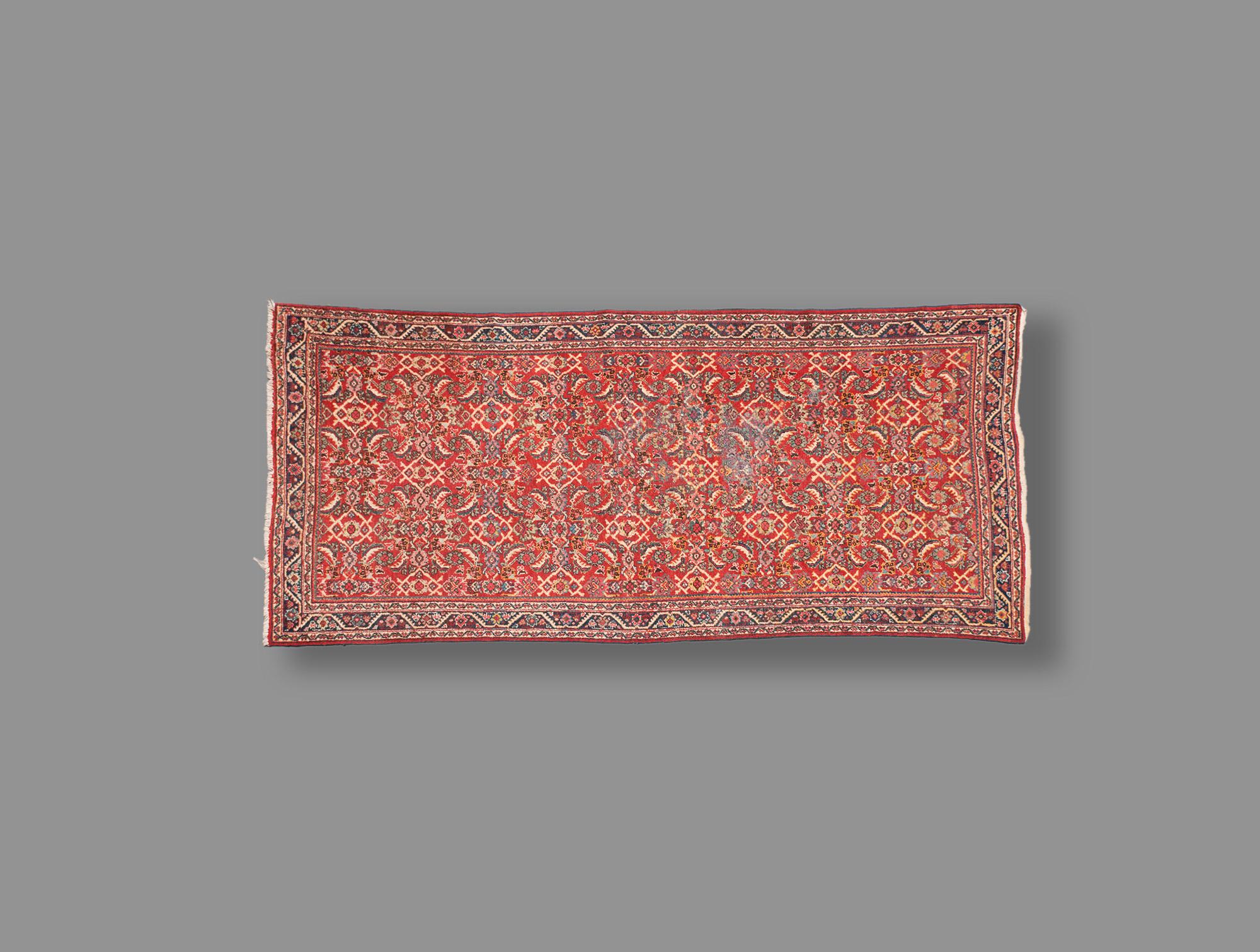 tapis d 39 orient rouge soubrier louer mobiliers tapis xixe. Black Bedroom Furniture Sets. Home Design Ideas